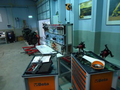 L'un des ateliers modernes pour la formation professionnelle (photo : KH).