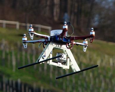 Il est maintenant permis d'utiliser en Israël des drones pour localiser les véhicules volés (photo : Wikimedia/Hans, http://quadrocopter-versicherung.com).