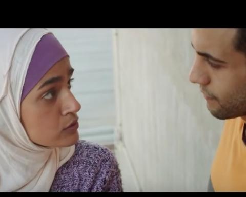 """Dans le film """"Tempête de sable"""", la jeune étudiante Layla se bat pour pouvoir mener la vie qu'elle a choisie (photo : capture d'écran de la bande annonce)"""