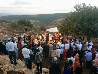 Les mariages en Israël bénéficient d'un beau temps garanti et de paysages magnifiques – la photo montre la célébration du mariage de Johnny Stark (photo : privée)