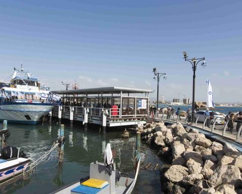 Il existe maintenant une liaison bateau entre Haïfa et Saint Jan d'Acre (photo : Itamar Grindberg)
