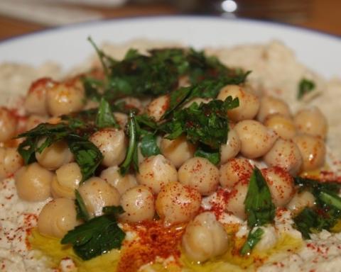 Que serait le festival culinaire de Haïfa sans houmous ? (photo : Pixabay).