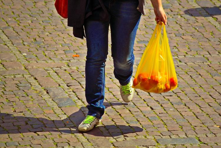 """Les sacs jetables sont (presque) totalement """"out"""" en Israël (photo : pixabay.com)"""