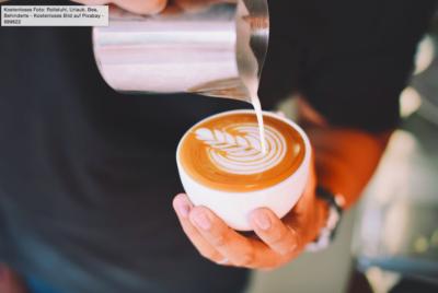 """Il suffit de prononcer les mots magiques """"S'il vous plaît"""" et """"Merci"""" pour payer son café moins cher (photo : pexels.com)"""