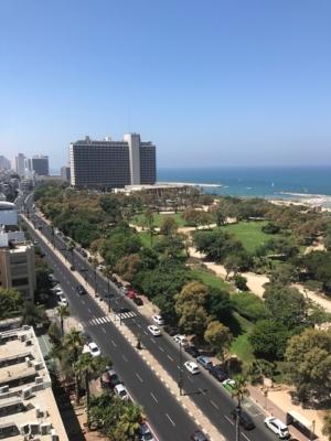 Tel-Aviv dispose de plusieurs poumons verts, par exemple le parc de l'indépendance, directement au bord de la mer (photo: KHC).