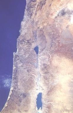 Le rift du Jourdain est la partie de la faille susceptible de s'effondrer. Il se situe à la frontière orientale d'Israël (photo : Ilmari Karonen, Wikimedia).