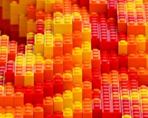 Les briques Lego ne servent pas qu'à construire des maisons – Ils permettent également de représenter des visages de célébrités israéliennes (Image : Pexels)