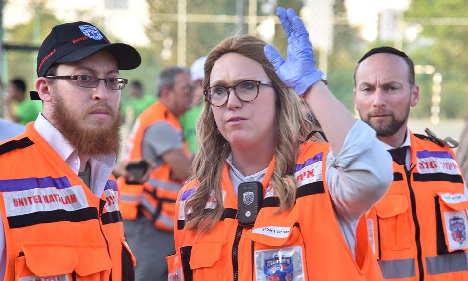 Miriam Ballin et son équipe en pleine action (photo : Presse United Hatzalah).