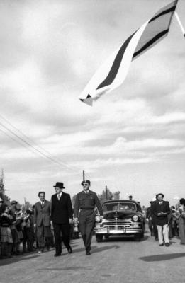 Visite en 1953 du président Yitz'hak Ben-Tsvi (Photo : Musée d'art du Néguev)