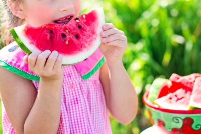 Le menu proposera un grand nombre de fruits aux enfants (photo : Pexels)