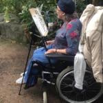 Malgré ou peut-être grâce au sévère coup du sort qu'elle a subi, Bracha Fischel peint de superbes tableaux (photo: privé)