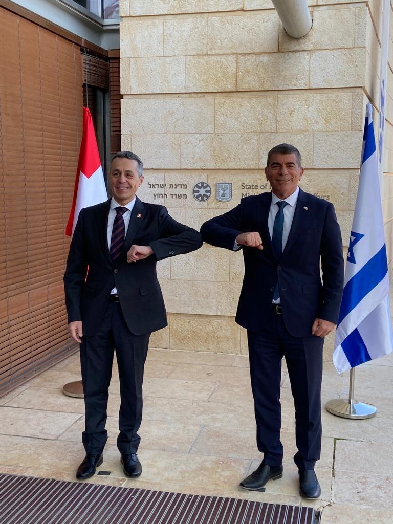 Le Conseiller fédéral Ignazio Cassis avec le Ministre des Affaires étrangères israélien Gabi Ashkenazi à Jérusalem (photo: FDFA).