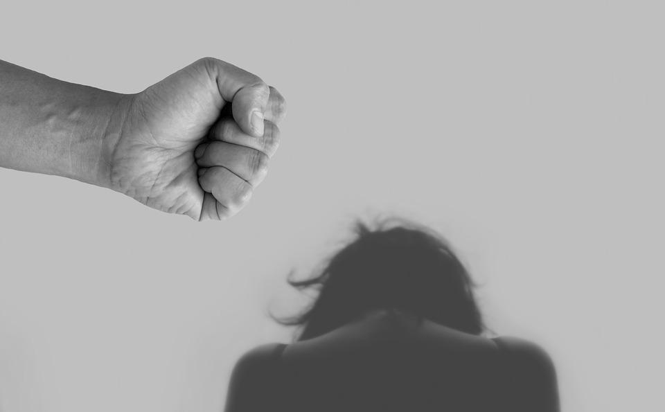 La pandémie a encore aggravé la situation : forte augmentation de la violence domestique (photo: Pixabay)