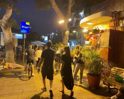 Après un an de pandémie, la vie à Tel-Aviv retrouve son cours normal. L'obligation de port du masque à l'extérieur a été abolie (photo: KHC)