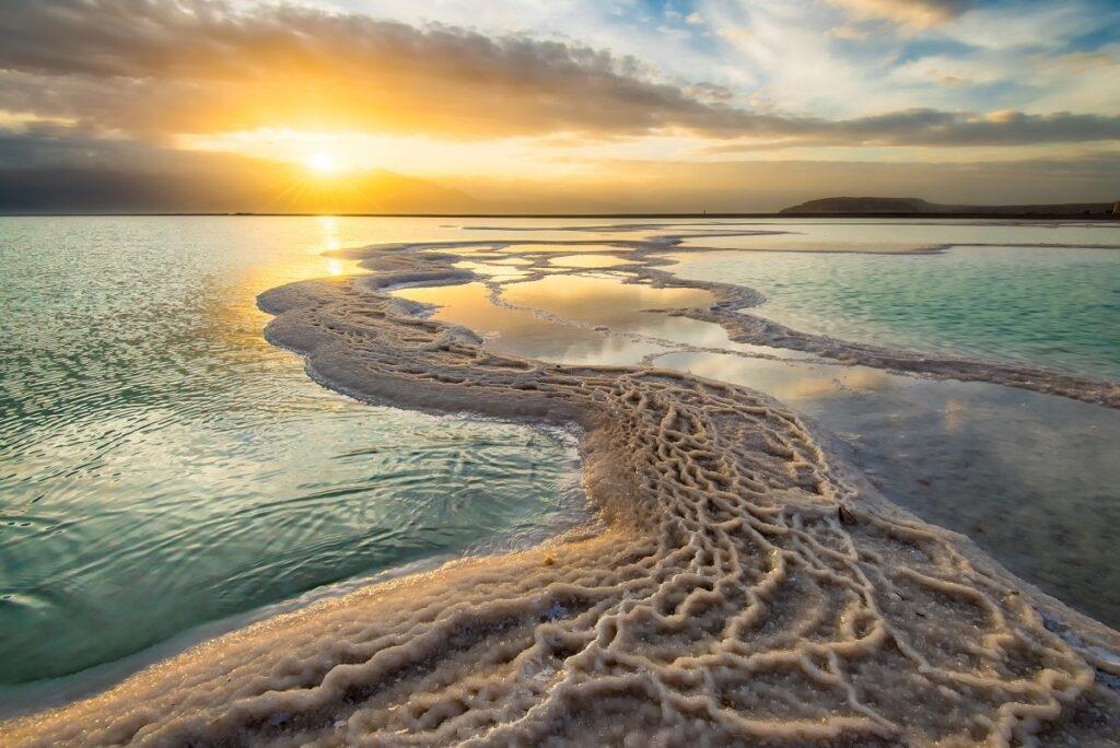 La mer Morte, l'un des lieux emblématiques d'Israël. Cette photo de Tzvika Stein fait partie de l'exposition.