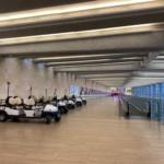 Très bientôt, cette image de l'aéroport Ben Gourion désert appartiendra au passé (photo : KHC)